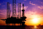 Petrol fiyatları artan stoklarla düştü