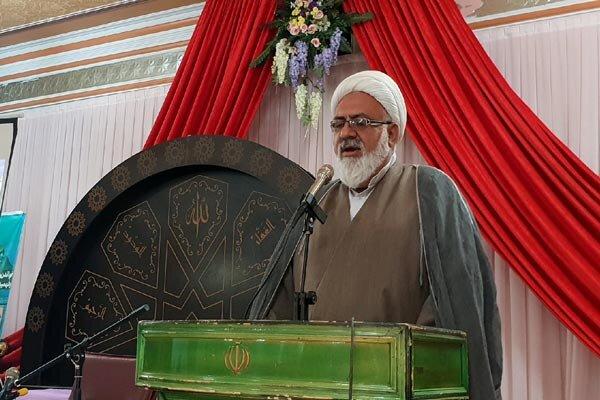 انس با قرآن موجب زدودن زنگار دلها و آرامش روحی می شود