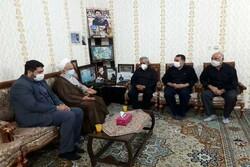 حضور مسئول دفتر رهبر معظم انقلاب در قم در بیت شهید اخلاقی