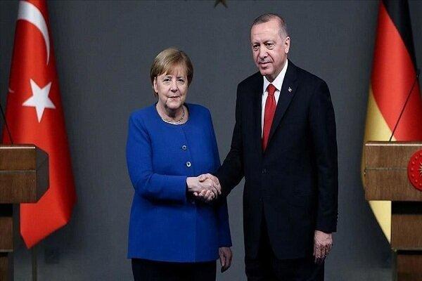 اردوغان و مرکل گفتگو کردند