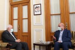 ظريف وقاليباف يؤكدان ضرورة اجتياز ظروف الحظر والعقوبات المفروضة على إيران