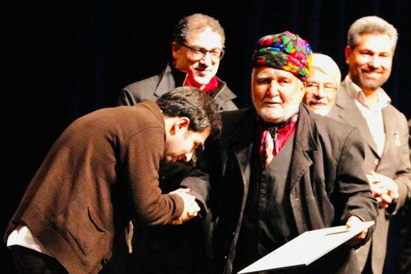 آوازخوانی خواننده جوان برمزار سهراب محمدی/روایت زمزمههای رمزآلود