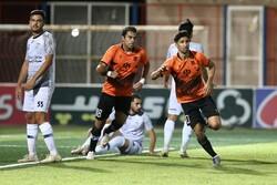 تیم فوتبال آلومینیوم اراک به لیگ برتر صعود کرد/ سقوط تیم تهرانی