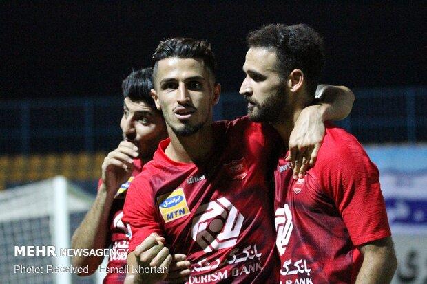 دیدار تیم های فوتبال گل گهر سیرجان و پرسپولیس تهران