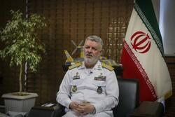 قائد القوة البحرية للجيش: إيران مقبلة على حيازة صواريخ محطمة لحاجز الصوت