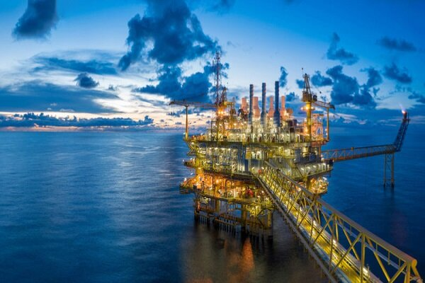 Iran oil output to enhance following signing €1.5B contracts