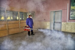 İran'da üniversiteye giriş sınavı öncesi dezenfekte çalışmaları devam ediyor