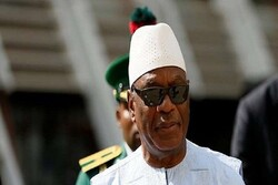 """إعتقال الرئيس """"كيتا"""" في ظل انقلاب عسكري في مالي"""