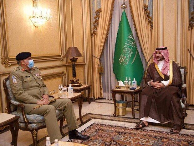 پاکستانی فوج کے سربراہ کی سعودی عرب کے نائب وزير دفاع سے ملاقات