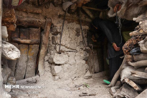 طویله ها متصل به خانه های اهالی روستا می باشند.