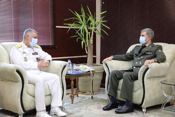 وزير الدفاع: عزم وزارة الدفاع في تطوير قدرات البحرية الإيرانية في الجيش والحرس الثوري راسخ وقوي
