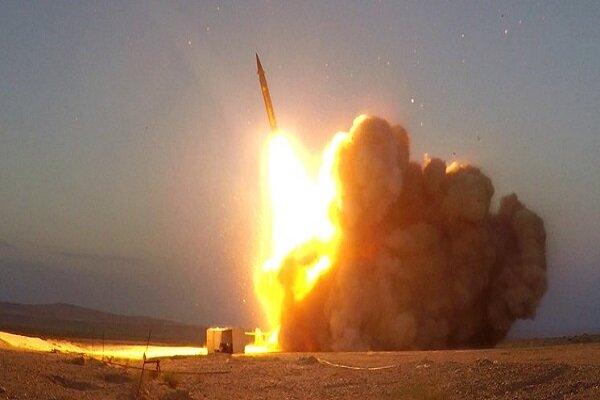 İran'ın yerli üretimi olan 'Hac Kasım' ve 'Ebu Mehdi' füzeleri tanıtıldı