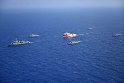 Erdogan warns Greece as tensions rise in E Mediterranean