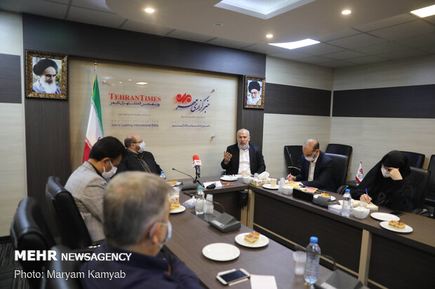 Palestinian officials attend a meeting at MNA