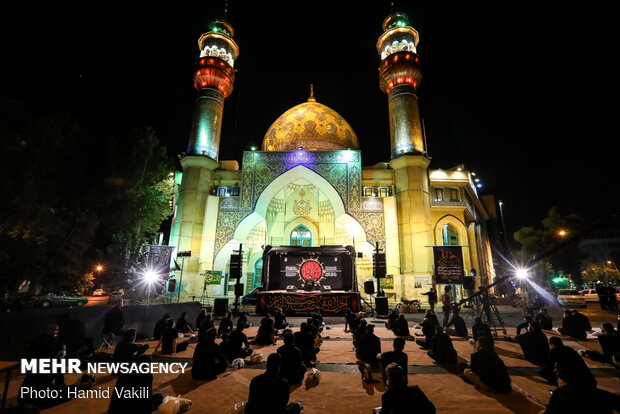 اقامة المراسم العاشورائية في ليلة الخامس من شهر محرم في ساحة فلسطين / صور