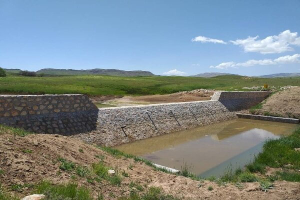 اجرای طرح های آبخیزداری در ١١ استان کشور
