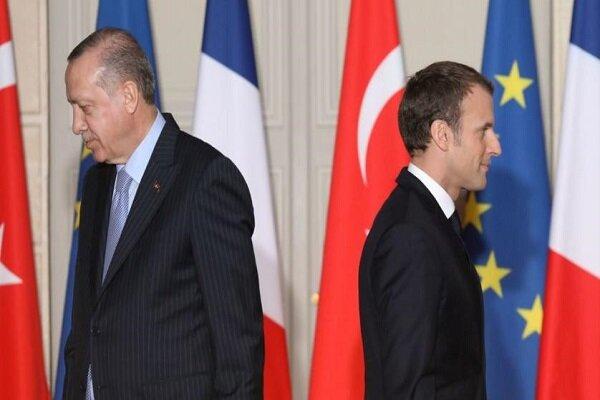 دوئل ماکرون و اردوغان در مدیترانه/ آیا ناتو نابود میشود؟