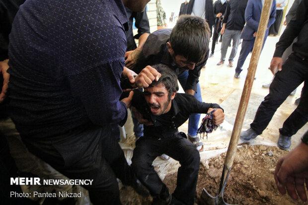 تشییع پیکر مطهر سرباز شهید محمدرضا اسکندری نژاد در جونقان چهار محال و بختیاری