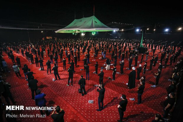 Shia Muslims hold mourning rituals on Day of Ashura