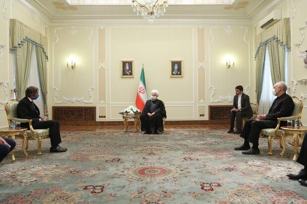 روحاني: إيران مستعدة للتعاون مع الوكالة الدولية للطاقة في إطار الضمانات