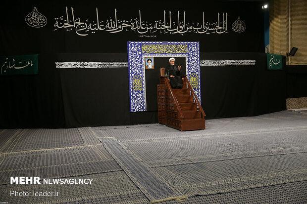 مراسم العزاء الحسيني في ليلة تاسوعا بمشاركة قائد الثورة