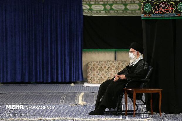 حسینیہ امام خمینی (رہ)  میں عاشور کی شب میں مجلس عزا منعقد