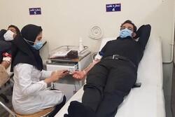 وزیر ارتباطات در جهرم خون اهدا کرد