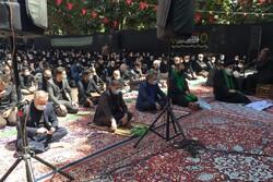 نماز ظهر عاشورا در  گذر فرهنگی چهارباغ عباسی اصفهان