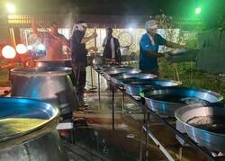 قرارگاه امام رضا(ع) ٢٠ هزار پرس غذای گرم در استان بوشهر توزیع کرد