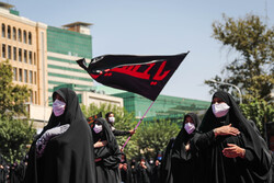 Tahran'da Aşura matem töreni düzenlendi
