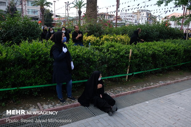 İran'ın Reşt kentinde Kerbela matemi töreni