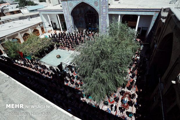 عزاداری ظهر عاشورا در مسجد جامع همدان