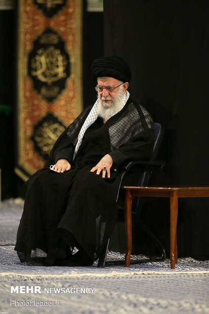 Leader attends 10th eve of Muharram mourning