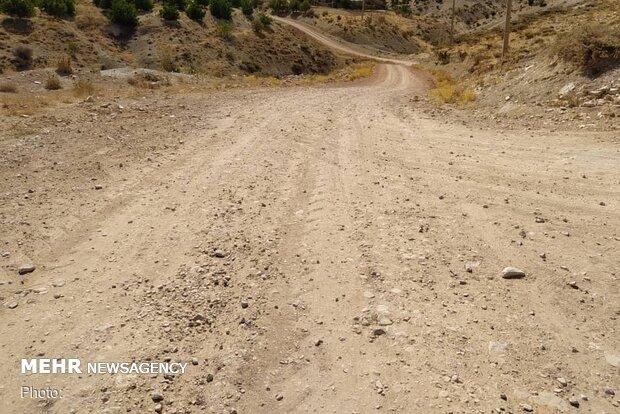 عملیات گاز رسانی مانع اصلی آسفالت جاده روستای قنات است