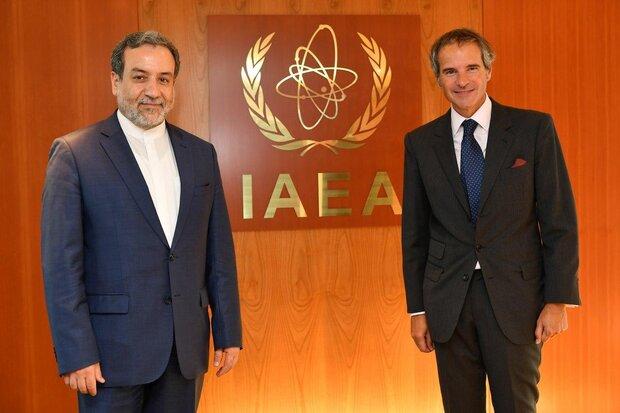 عراقجي يلتقي مع غروسي والأخير يؤكد استمرار التعاون بين ايران والوكالة