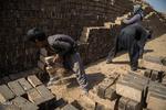 کودکان کار کوره های آجرپزی/جایی نزدیک اما دور و محروم