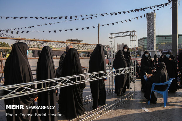 Muharram mourning ceremony at Tehran's Imam Hossein sq.