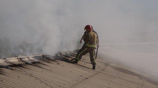 آتش سوزی جزئی در یک ساختمان در خیابان سمیه/ اطفای سریع حریق