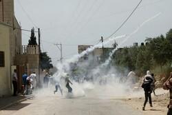 یورش وحشیانه صهیونیستها به فلسطینیان/ دهها نفر زخمی شدند