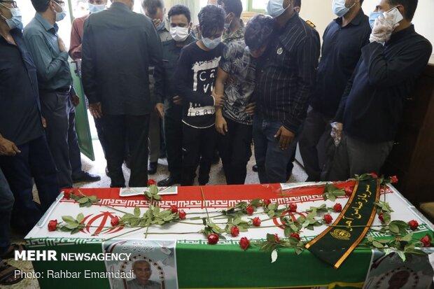 مراسم تشییع محیطبان شهید هرمزگانی در بندرلنگه