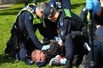 آسٹریلیا میں شدت پسند شخص کا مسجد پر حملہ