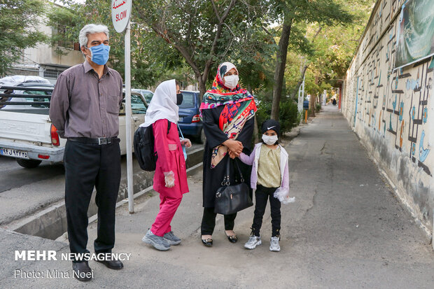 New School Year kicks off in Tabriz amid COVID-19