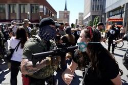 مخالفان و موافقان پلیس در «لوئیزویل» آمریکا با یکدیگر درگیر شدند