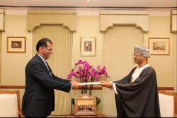 Iranian envoy submits credential to Oman's foreign minister