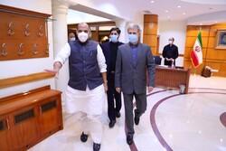 وزير الدفاع الهندي يصف إجتماعه مع نظيره الايراني بالإيجابي والبناء