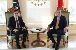 Erdoğan, Libya UMH Başbakanı Serrac ile görüştü