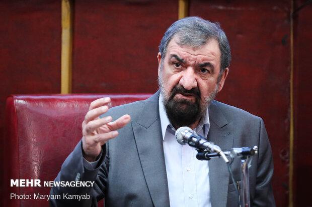 رضائي: حكم نظام آل خليفة في البحرين لن يستمر بعد خيانته للامة الاسلامية
