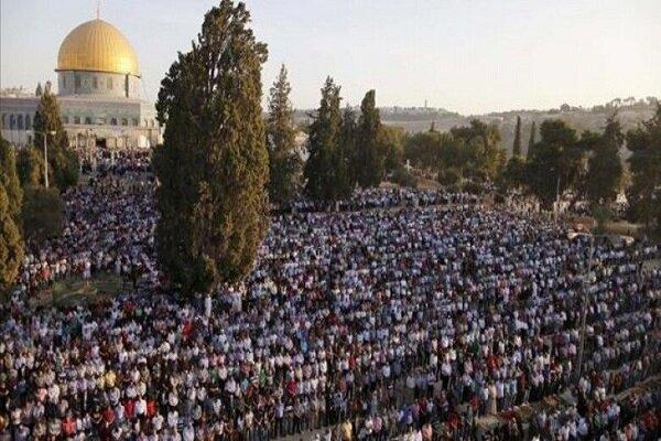 حضور انبوه نمازگزاران فلسطینی در مسجد الاقصی