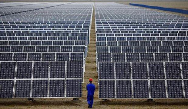 بناء مزرعة للطاقة الشمسية ضخمة جنوب ايران