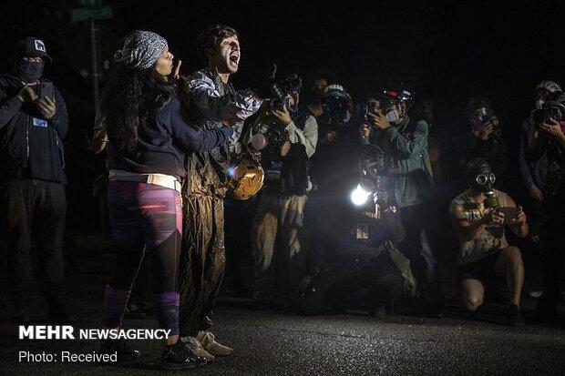 بازداشت دهها معترض در پورتلند آمریکا در صدمین روز اعتراضها